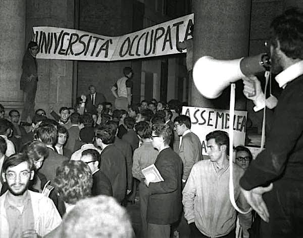 Occupazione Università-Cattolica