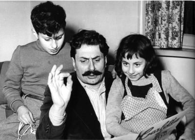 Papà Guareschi con i figli Alberto e Carlotta