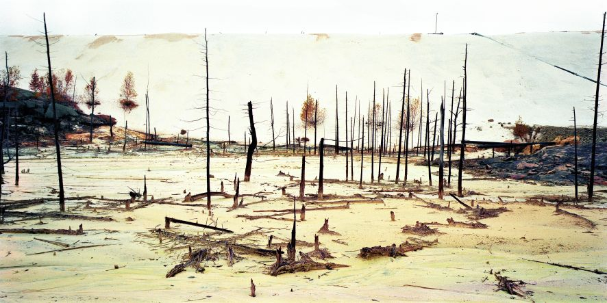Residui di Uranio n.12, Elliot Lake, Ontario, Canada 1995. Edward Burtynsky, courtesy Flowers, London & Nicholas Metivier, Toronto