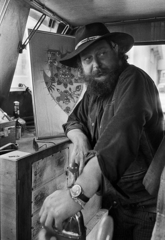 Roberto Masotti_Guy Harloff a bordo della sua imbarcazione Le Devenir_Chioggia_1974_©Roberto Masotti_Lelli e Masotti Archivio-Milano