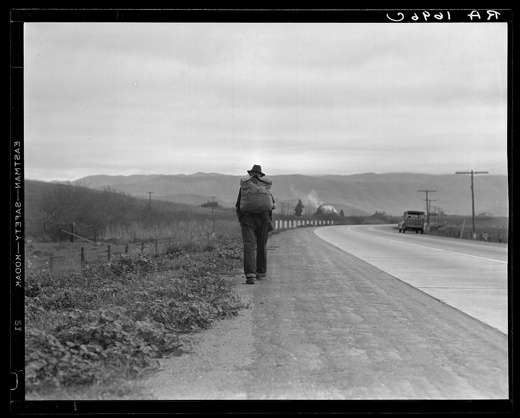 Dorothea Lange Library of Congress Uomo cammina Bum blockade. All heading north. South of King City, California 1936